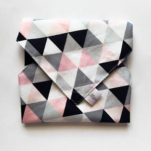 Újraszalvéta, szendvics csomagoló, rózsaszín háromszögek, Ovi- és sulikezdés, Uzsonna- & Ebéd tartó, Szendvics csomagoló, Varrás, Meska