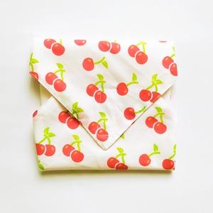 Újraszalvéta, szendvics csomagoló, textil szalvéta, cseresznyés, Ovi- és sulikezdés, Uzsonna- & Ebéd tartó, Szendvics csomagoló, Varrás, Meska