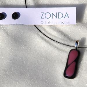 ZONDA - PÚDER LEVELEK üvegékszer szett: nyaklánc és fülbevaló, Ékszerszett, Ékszer, Ékszerkészítés, Fényes fekete üvegre égettem 850 fokon púder rózsaszín üveget, melyek ovadás közben szinte összeérte..., Meska
