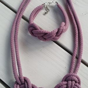 Mályva lila zsinór nyaklánc szett, Ékszer, Nyaklánc, Statement nyaklánc, Csomózás, Ékszerkészítés, Kb 4-5mm-es gyönyörű mályva lila  zsinórból készült csomózott nyaklánc.\n\nKérhető kis csomó fülbevaló..., Meska