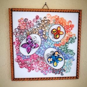 Quilling kép pillangókkal, Dekoráció, Otthon & lakás, Kép, Lakberendezés, Falikép, Papírművészet, Mdf. lapra ragasztott, quilling technikával (3mm-es papírcsíkból) készült, akasztóval ellátott, álta..., Meska