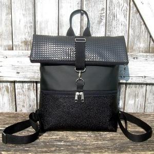 ROLL TOP CITY BAG :Elegáns fekete, Táska & Tok, Hátizsák, Roll top hátizsák, Varrás, Bőrművesség, \n\nÍme a legújabb fazon, roll top azaz kitekerhető tetejű hátizsák! :)\nA táska letekerhető/lehajtható..., Meska