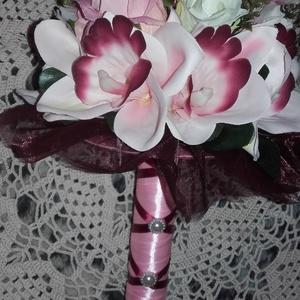 Menyasszonyicsokor rózsából és orchideából, Esküvő, Esküvői csokor, Esküvői dekoráció, Virágkötés, Mindenmás, Szerelem, szépség, finomság.Ez jellemzi az orchidea virágot és rózsát. Szinei a rózsaszín és árnyal..., Meska