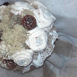 Rusztikus stílusú esküvői csokor, Esküvő, Esküvői csokor, Esküvői dekoráció, Virágkötés, Mindenmás, Rusztikus stílusú esküvői csokromban natúr szineket használtam. Textil  és száraz virágokat, termése..., Meska