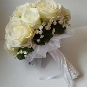 Menyasszonyi csokor, Esküvő, Esküvői csokor, Virágkötés, Egy csodaszép menyasszonyi csokor minden esküvő elengedhetetlen kelléke.\nHa klasszikus menyasszonyi ..., Meska