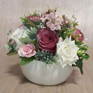 Asztaldísz, Otthon & Lakás, Dekoráció, Asztaldísz, Virágkötés, Asztaldíszem azonnal megvásárolható. Szép díszítője, kiegészítője lehet otthonodnak.\nMérete:23*18 cm..., Meska