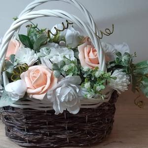 Táska kosár virágokkal , Otthon & lakás, Dekoráció, Dísz, Lakberendezés, Asztaldísz, Mindenmás, Virágkötés, Egyedi kézzel készített dekoráció. Minőségi selyemvirágok, alapanyagok felhasználásával készült. Gyö..., Meska