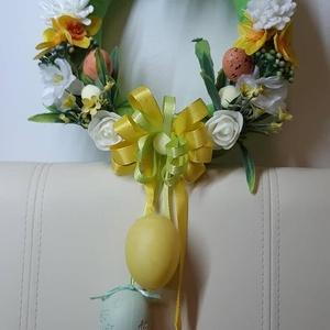 Húsvéti ajtódísz tojással, Otthon & lakás, Dekoráció, Dísz, Ünnepi dekoráció, Húsvéti díszek, Lakberendezés, Ajtódísz, kopogtató, Mindenmás, Virágkötés, Egyedi kézzel készített ajtódísz. Minőségi selyemvirágok, műanyagtojás felhasználásával készült. A d..., Meska