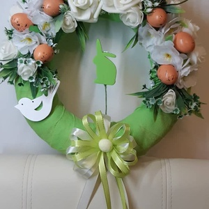 Húsvéti ajtódísz zöld nyuszival, Otthon & lakás, Dekoráció, Ünnepi dekoráció, Dísz, Húsvéti díszek, Lakberendezés, Ajtódísz, kopogtató, Mindenmás, Virágkötés, Egyedi kézzel készített ajtódísz. Minőségi selyemvirágok, műanyagtojás, szivacsnyuszi felhasználásáv..., Meska
