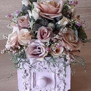 Vintage fiók kaspó rózsacsokorral, Otthon & Lakás, Dekoráció, Asztaldísz, Mindenmás, Meska