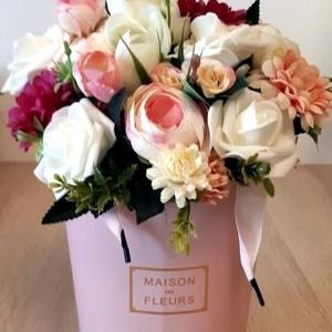 Elegáns box virágcsokorral, Otthon & Lakás, Dekoráció, Asztaldísz, Mindenmás, Meska