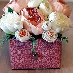 Feszített bőr fiókkaspó virágcsokorral, Otthon & Lakás, Dekoráció, Asztaldísz, Mindenmás, Meska