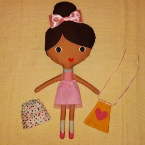 Zoe textilbaba, játékbaba,alvóbaba,öltöztethető baba, Gyerek & játék, Játék, Baba, babaház, Baba játék, Varrás, Zoe egy textilbaba kicsiknek,gyerekeknek amit egy kislány ajándékként magához ölelhet. Ez a szépsége..., Meska