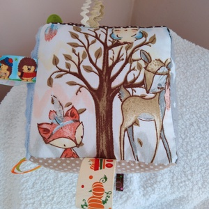 Erdei állatok textil babakocka, Babakocka, 3 éves kor alattiaknak, Játék & Gyerek, Varrás, A babakocka oldalai színes és mintás pamutvászonból készültek ami többszörösen meglett erősítve.Ami ..., Meska