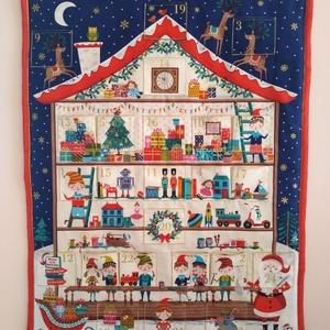 Adventi naptár,Karácsonyi dekoráció, Otthon & Lakás, Karácsony & Mikulás, Adventi naptár, Varrás, Karácsonyi adventi naptár.Három rétegű az előlapja egy házikó belső szobáit ábrázoló színes pamutvás..., Meska