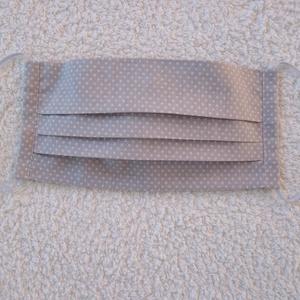 Textil maszk, Arcmaszk, Szájmaszk, NoWaste, Textilek, Kendő, Varrás, Szürke alapon apró fehér pöttyös pamutvászonból készült kétrétegű maszk.\nBelső része hozzá illő egys..., Meska