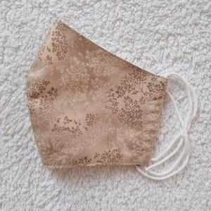 Textil maszk, arcmaszk, szájmaszk, NoWaste, Textilek, Kendő, Varrás, Beige alapon apró mintás pamutvászonból készült kétrétegű maszk.\nBelső része fehér pamutvászon anyag..., Meska