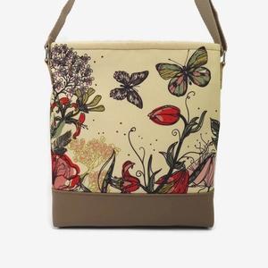 Lovely-bag 16 női táska nyári rét, Táska, Válltáska, oldaltáska, Varrás, Akár egy szép nyári rét, olyan ez a pillangós minta. Már kora reggel jó kedvünk lesz tőle, amikor e..., Meska