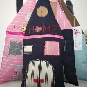 Home ajtó/ablak dekoráció, Mindenmás, Dekoráció, Otthon, lakberendezés, Ajtódísz, kopogtató, Varrás, HOME kopogtatókat készítettem. A házikókat felhasználhatod  lakásdekorációként, vagy akár kislánysz..., Meska