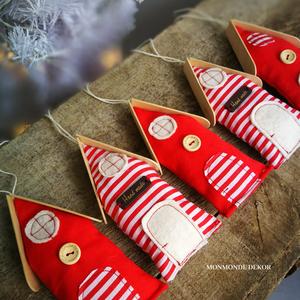 Házikók , Otthon & lakás, Dekoráció, Ünnepi dekoráció, Karácsony, Karácsonyfadísz, Varrás, Készítettem 5 db felakasztható házikót, melyeket flíz anyaggal töltöttem meg. A házikókat felhasznál..., Meska