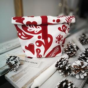 Skandináv uzsonnás táska /tároló, Ebéd tasak, doboz, Uzsonna- & Ebéd tartó, Táska & Tok, Varrás, Pamutvászon anyagból készítettem ezt a kellemes színű bordó-fehér  mintás uzsonnás táskát/tárolót. B..., Meska