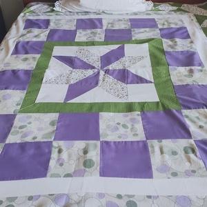 AKCIÓ - Nagyobb gyerek takaró, ágytakaró, falvédő, Takaró, Lakástextil, Otthon & Lakás, Patchwork, foltvarrás, Mindig is izgalmasnak találtam a lila és zöld színek kombinálását. Most egy nagy méretű takarót kész..., Meska