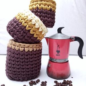 Horgolt tároló szett - Kávés kollekció 2.0, Otthon & Lakás, Tárolás & Rendszerezés, Tárolókosár, Horgolás, Prémium light pólófonalból horgolt tároló szett. Espresso, Espresso Macchiato és Americano filter co..., Meska