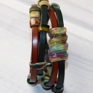Jungle- többsoros bőr karkötő-egyedi üveggyöngyökkelkkel (MoroBarbaraGlass) - Meska.hu