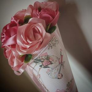 Örökcsokor kismamáknak, Játék & Gyerek, Babalátogató ajándékcsomag, Virágkötés, Mindenmás, Örökcsokor kismamáknak szaténszalagból készített rózsákból. Méret: hosszúság 40cm, szélesség 15cm.\nP..., Meska