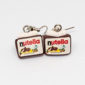 Nutella - lógós fülbevaló, Ékszer, Fülbevaló, Lógós fülbevaló, Süthető gyurmából készült fülbevaló. A figura mérete kb. 13 mm Nikkelmentes fém alkatrésszel...., Meska