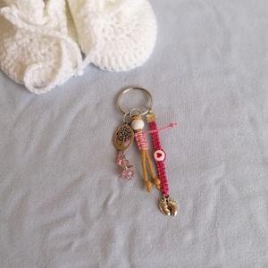 Babaváró kulcstartó, Táska, Divat & Szépség, Kulcstartó, táskadísz, Csomózás, Kismamáknak készítettem ezt a kulcstartót, mely védelmet nyújt neki és a kis pocaklakónak is.\nA kulc..., Meska
