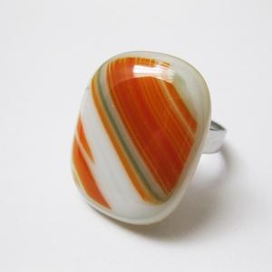 Leina üvegékszer gyűrű, Ékszer, Gyűrű, Ékszerkészítés, Üvegművészet, Fusing technikával olvasztott gyűrű állítható alapon:17-21mm. Fej: 2,1 x 2,6 cm.\n\nAz ékszereket aján..., Meska