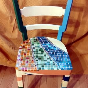 Oázis szék, Otthon & lakás, Bútor, Szék, fotel, Mozaik, Újrahasznosított alapanyagból készült termékek, Eladó egy felújított retró faszék ( 1970-es évekből). A széket felújítottam, majd lealapoztam és lef..., Meska