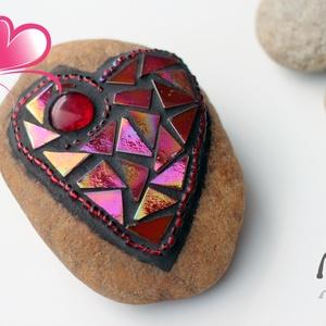 Szívmelengető  nagy szívkavics, Otthon & Lakás, Dekoráció, Asztaldísz, Mozaik, A legjobb ajándék, ha a Te szívednek is kedves!\nEzt a Szívmelengető  nagy szívkavics névre keresztel..., Meska