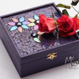 Magical flowers - mozaikos doboz, Otthon & Lakás, Dekoráció, Díszdoboz, Mozaik, Nőnapra, névnapra készítettem ezt a varázslatosan szép, ezer színben tündöklő, mély-padlizsánlila fa..., Meska