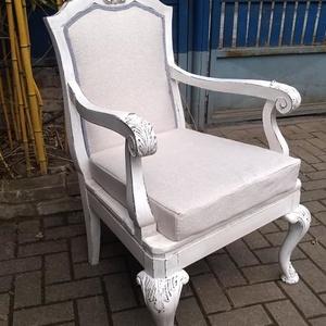 Vintage faragott fotel, karosszék 33.000 Ft, Otthon & Lakás, Bútor, Szék & Fotel, Famegmunkálás, Festett tárgyak, Vintage gyönyörű faragott fotel. \nVarázsold be vele otthonodba a vintage hangulatát ????\nLegnagyobb ..., Meska