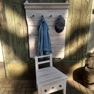 Vintage előszobaal székkel 24.000 Ft, Otthon & Lakás, Bútor, Fogas, Famegmunkálás, Festett tárgyak, Vintage előszoba. Egyedi, rusztikus, újragondolt darab.\nKülönleges hangulatú fogas+ cipőhúzó szék. A..., Meska
