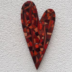 Piros szív - üvegmozaik falidísz, Falra akasztható dekor, Dekoráció, Otthon & Lakás, Mozaik, Mindenmás, Üvegmozaik falidísz akasztóval\n\nMérete: kb. 10*20*2cm\n\nSzív alakra vágott, festett fa alapra ragaszt..., Meska