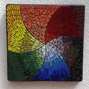Örvénylő szivárvány - üvegmozaik kép, Kép & Falikép, Dekoráció, Otthon & Lakás, Mozaik, Mindenmás, Üvegmozaik kép akasztóval\n\nMérete: 25*25*2cm\n\nMéretre vágott, feketére pácolt fa alapra ragasztottam..., Meska