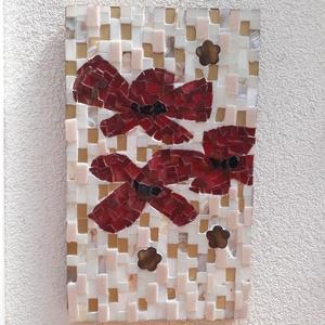 Pipacsok - üvegmozaik falikép, Kép & Falikép, Dekoráció, Otthon & Lakás, Mozaik, Mindenmás, Üvegmozaik falikép akasztóval\n\nMérete: kb. 19*31*2cm\n\nFestett fa alapra ragasztottam fel a motívumot..., Meska