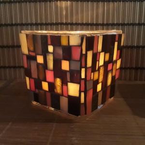 Üvegmozaik mécsestartó barna/narancs, Képzőművészet, Otthon & lakás, Lakberendezés, Kaspó, virágtartó, váza, korsó, cserép, Dekoráció, Mozaik, Mindenmás, Négyzethasáb alakú üveg alapra készült a motívum  kézzel vágott spektrum üvegekből és üvegmozaik lap..., Meska
