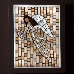 A szeretet angyala - üvegmozaik falikép világítással, Otthon & lakás, Dekoráció, Lakberendezés, Lámpa, Falikép, Mozaik, Mindenmás, Világító üvegmozaik falikép\n\nmérete:21x27cm\n\nÜveglapra ragasztottam a motívumot üvegmozaik technikáv..., Meska