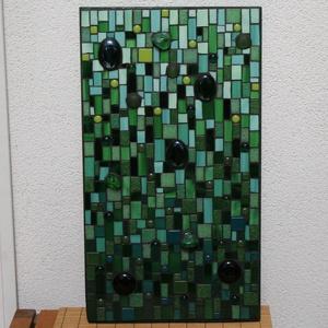 Csupa zöld - üvegmozaik kép, Kép & Falikép, Dekoráció, Otthon & Lakás, Mozaik, Mindenmás, Üvegmozaik kép akasztóval\n\nMérete: 25x44*2cm\n\nMéretre vágott, festett fa alapra ragasztottam fel a m..., Meska