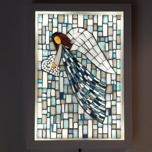 A szeretet angyala - üvegmozaik falikép világítással, Otthon & lakás, Dekoráció, Lakberendezés, Lámpa, Falikép, Mozaik, Mindenmás, Világító üvegmozaik falikép\n\nmérete:23x32cm\n\nÜveglapra ragasztottam a motívumot üvegmozaik technikáv..., Meska