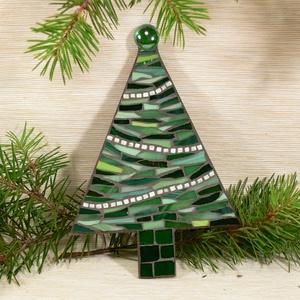 Karácsonyfa - üvegmozaik falidísz, Karácsonyfadísz, Karácsony & Mikulás, Otthon & Lakás, Mozaik, Mindenmás, Üvegmozaik karácsonyi dísz rejtett akasztóval\n\nMérete: kb. 12*18*2cm\n\nFormára vágott, festett fa ala..., Meska