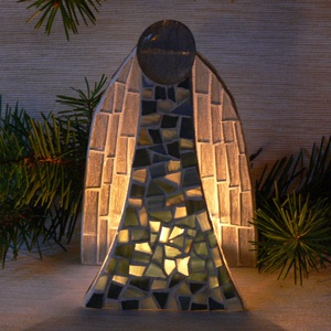 Angyal - karácsonyi különleges üvegmozaik mécsestartó, Gyertya & Gyertyatartó, Dekoráció, Otthon & Lakás, Mozaik, Mindenmás, Karácsonyi motívummal díszített üvegmozaik mécsestartó\n\nNégyzet alakú mécsestartó elejére és hátuljá..., Meska