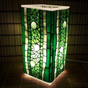 Üvegmozaik lámpa - zöld szögletes, Otthon & lakás, Képzőművészet, Lakberendezés, Lámpa, Asztali lámpa, Mozaik, Mindenmás, Üvegmozaik asztali lámpa\n\nNégyzethasáb alakú lámpatestre készült a motívum  kézzel vágott spektrum ü..., Meska