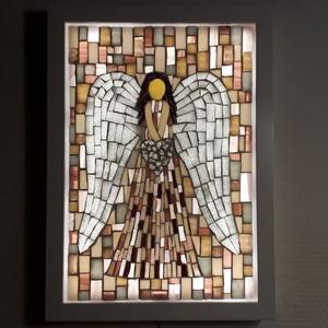 A szeretet angyala - üvegmozaik falikép világítással, Otthon & Lakás, Dekoráció, Kép & Falikép, Mozaik, Mindenmás, Világító üvegmozaik falikép\n\nmérete:23x32cm\n\nÜveglapra ragasztottam a motívumot üvegmozaik technikáv..., Meska