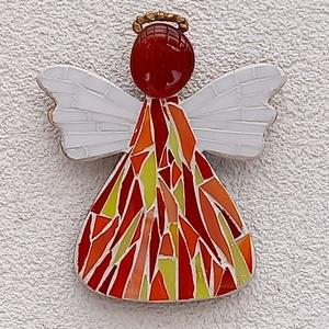 Piros angyal - üvegmozaik falidísz, Otthon & Lakás, Falra akasztható dekor, Dekoráció, Üvegmozaik falidísz rejtett akasztóval  Mérete: kb. 13*15*2cm  Formára vágott, festett fa alapra rag..., Meska