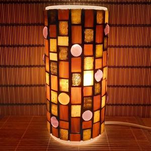 Üvegmozaik lámpa - barna, Otthon & Lakás, Lámpa, Asztali lámpa, Mozaik, Mindenmás, Üvegmozaik asztali lámpa\n\nHenger alakú lámpatestre készült a motívum  kézzel vágott spektrum üvegekb..., Meska
